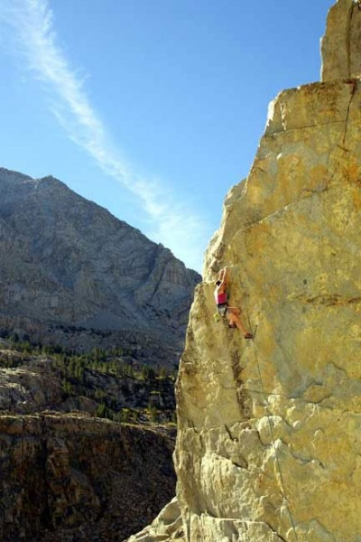 Joi on EZ DUZ IT, 5.12a, Tioga Cliff, Yosemite