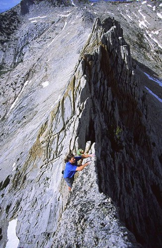 Greg Haverstock solos the knife-edge ridge of Matthes Crest.