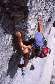 Mike Dewey climbs Pywiack Dome's Aqua Knobby (5.8 R).