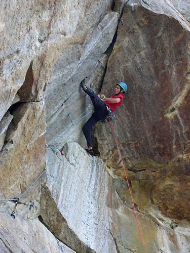 Jonas Waterman leading the roof, pitch 5. (12c)