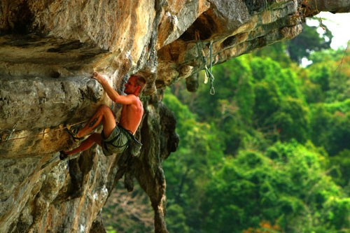 Throwing a Tantrum, 5.13d, Ton Sai, Thailand