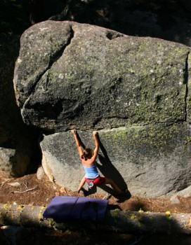 Clair Nicholas on Greaser, V4 at The Snags area of The Secret Boulders...