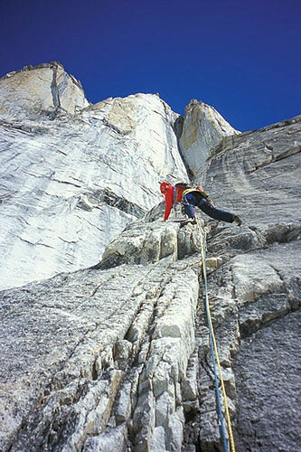 Chris McNamara leading pitch 9 on the West Pillar of the Eye Tooth.