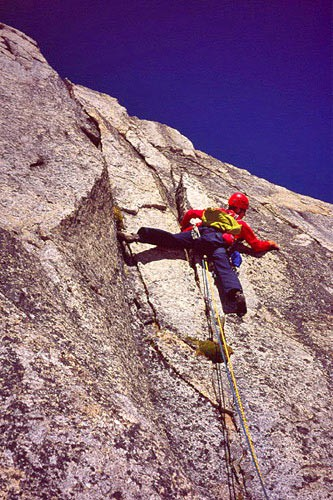 Chris McNamara leading the 5.9 ninth pitch of Hut Tower.