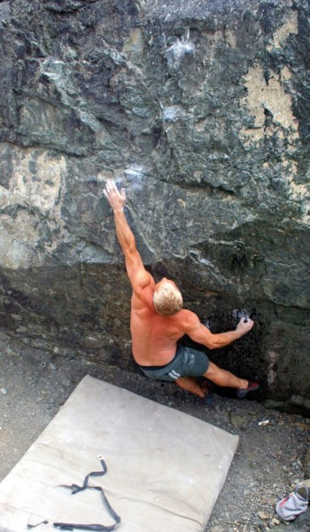 Kenny Ariza on the Bouncer (V5)