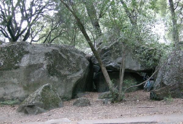 The main boulders.