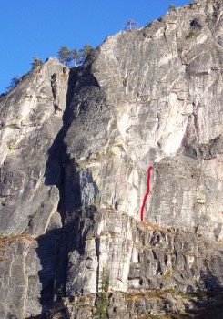 Lover's Leap, Main Wall - Blue Cab 5.9 - Lake Tahoe, California, USA. Click to Enlarge