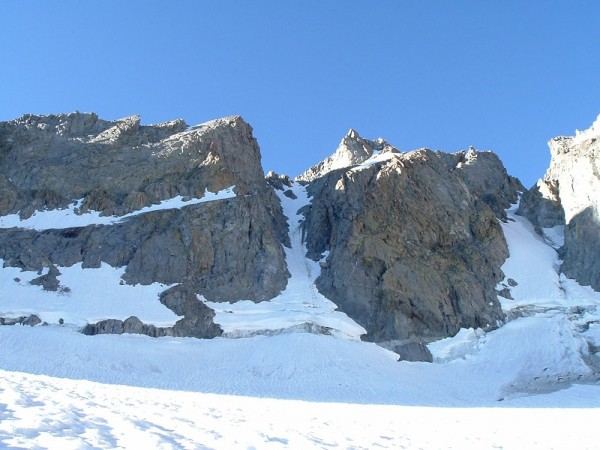 V Notch Couloir on left. U Notch on right.
