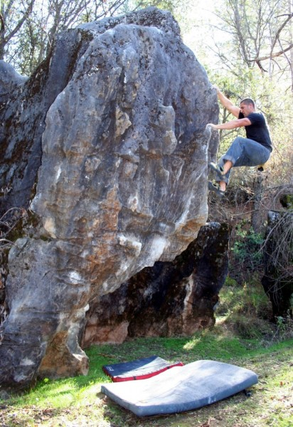 Ryan Smith flashes the Ghost Town Arete - sit start V3.