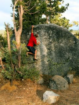 Bear Valley (Hells Kitchen) - Northern California Bouldering, USA. Click to Enlarge
