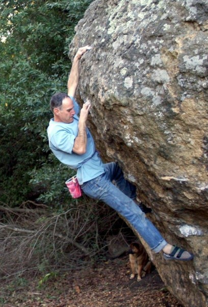 Scott Frye does a lap on his classic Scotts Arete (V5).