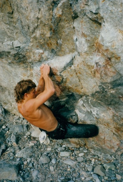 Chris Summit (sporting the styley mullet) on Are You Experienced (V10)...