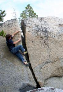 Ridgetop Boulders - Tuolumne Bouldering, CA, USA. Click to Enlarge
