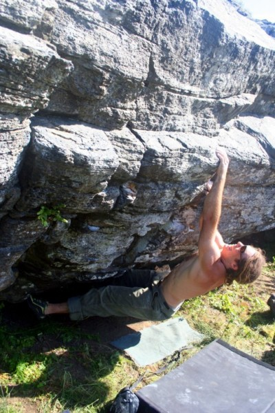 Some dude named Steve doing Stairclimber V5.