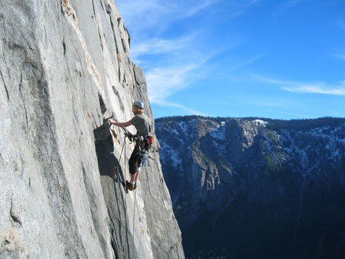 Hans Florine tension traversing from the Muir Wall to The Nose during ...