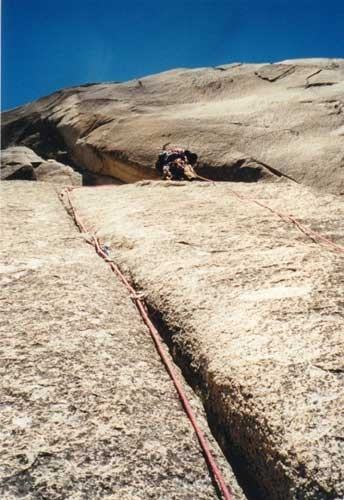Ian Hetingbothan leading pitch 10, C2 F.