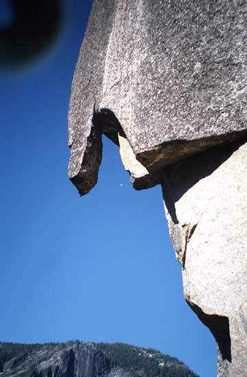 The Hanging Curtain, Pitch 9.