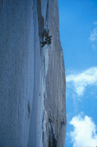 Classic North American Climbing Areas - Professional Photo Slideshow Image #6 - by Mark Kroese Miles Smart leading the crux of the Nipple Pitch on El Capitan's Zodiac route. This section, if climbed hammerless, requires multiple inverted cam hook placements in a row. These placements are terrifying but secure. [ybelzodi]