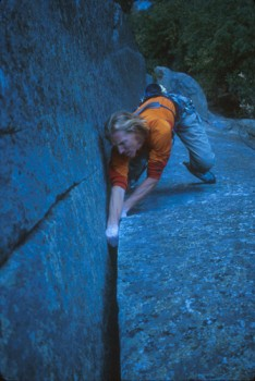 Hans Florine getting solid fist jams on Beggar's Buttress (5.11&#4...