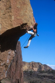 Cole Allen at the crux of Chain Reaction (5.12c) at Smith Rock...