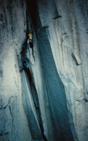 Perry Beckham and Hamish Fraser on U-wall.  Squamish Chief, BC