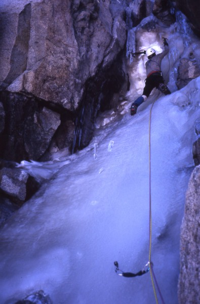 Mike Kellogg under the crux (7/29/00).