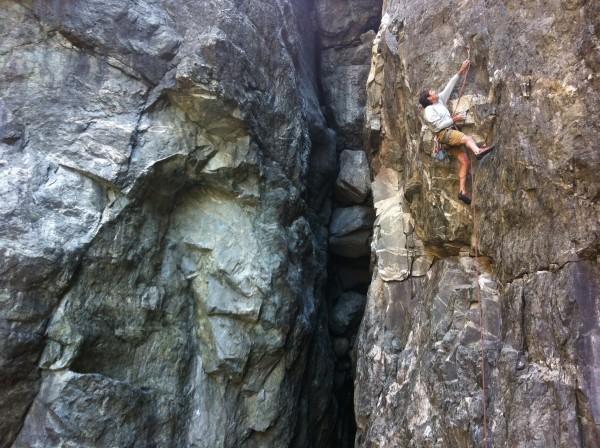 Brad Johnson on Sub Zero .11b, Emerald's Gorge.