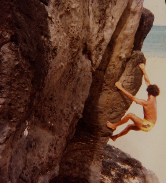 Olaf bouldering at Waimea Bay <br/>