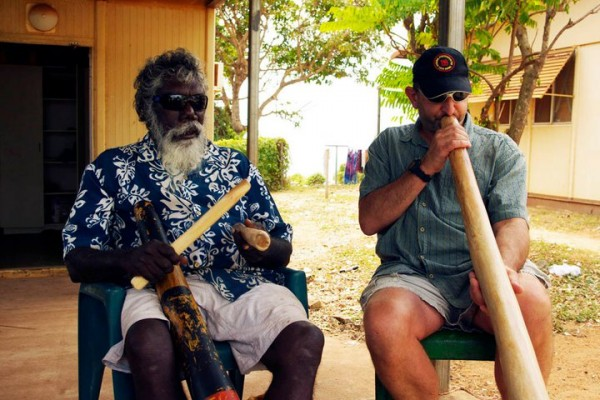 Learning to play the didjeridu from Djalu Gurruwiwi