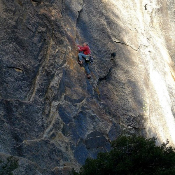 Mike Arechiga on super fun short 5.10c route on 557 Wall.
