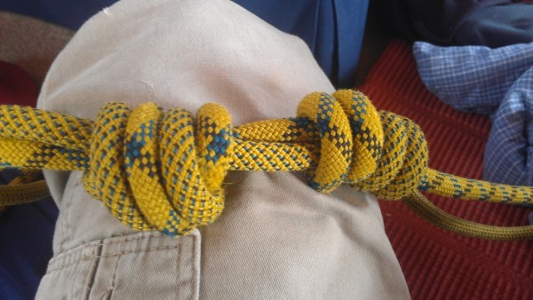 one side flat double overhand (left), flat double fishermans (right)