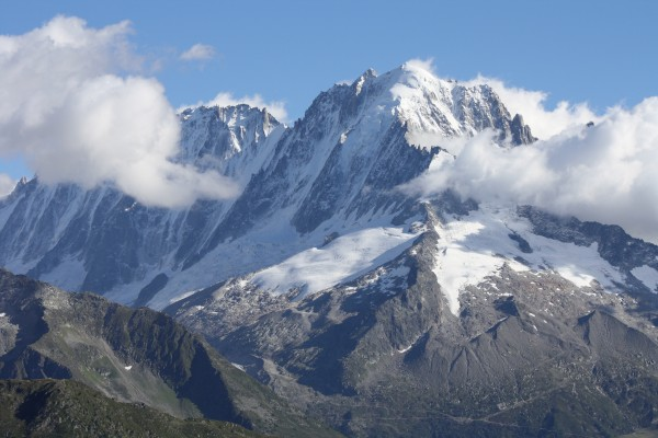 The Droites (L) and the Verte from the Perrons.
