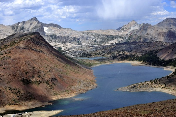 Saddlebag Lake with North Peak and Shepherd Crest on the far shore. Ex...
