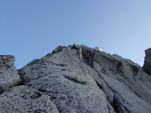 leading 1st 5.10 crux on beckey chouinard