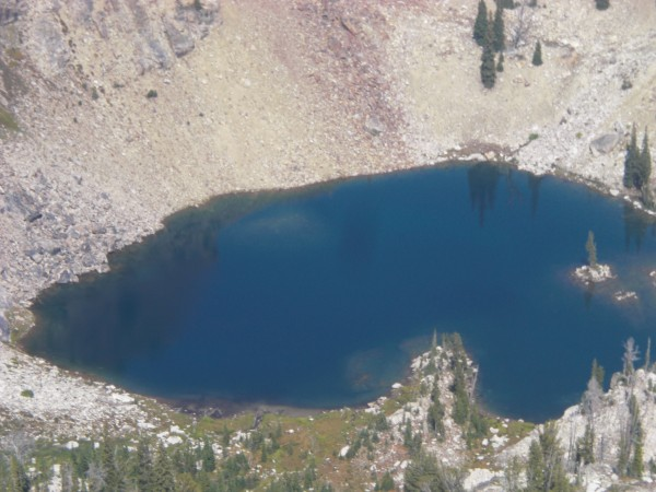 unnamed lake form atop p3