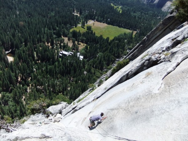 view down to the Ahwahnee from the pendulum pitch