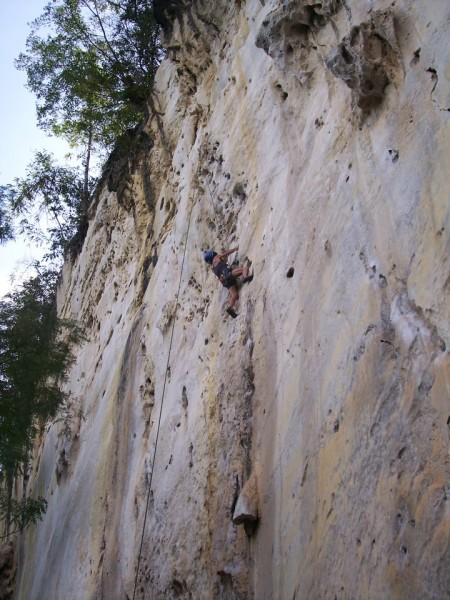 my wife Elna climbing Vina Kalufa 5.11a