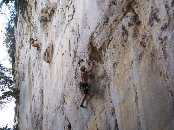 me leading Itchy Flutterby 5.11b