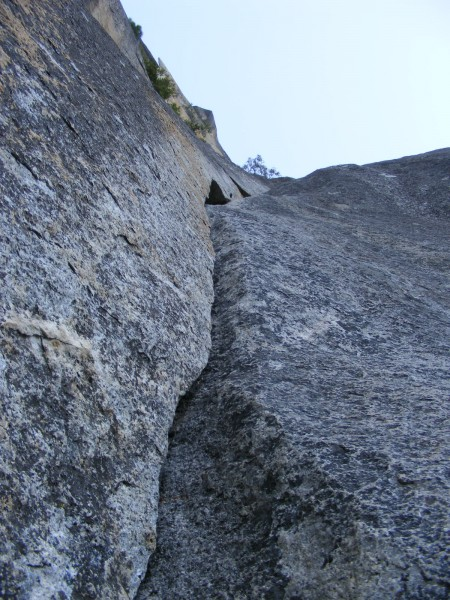 The start of pitch 10 is a nice crack with bomber gear.