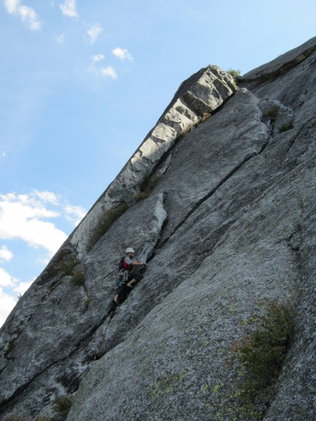 Geoff leading on the first Tibetan Tower, a great flake-to-lieback-to-...