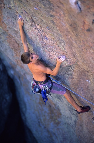Chris Sharma sportclimbing 5.13, age 13.
