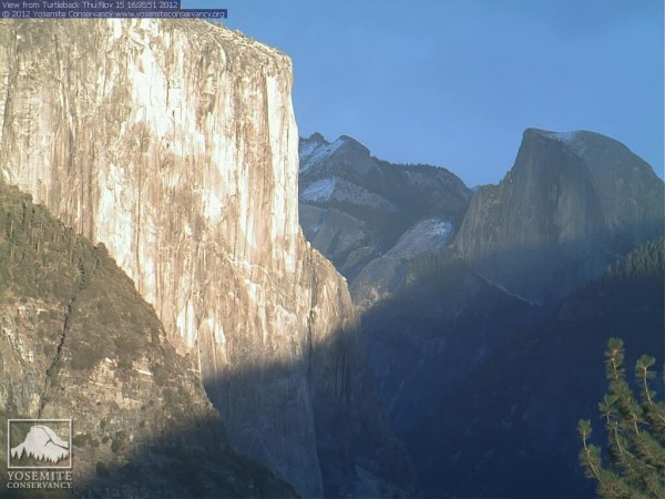 Turtleback webcam  today..11-15-2012..The last rays of  daylight light...