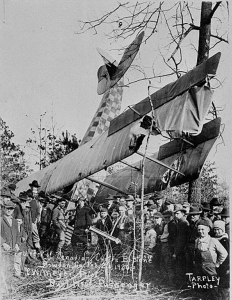 Royal Canadian AF biplane crash 1920