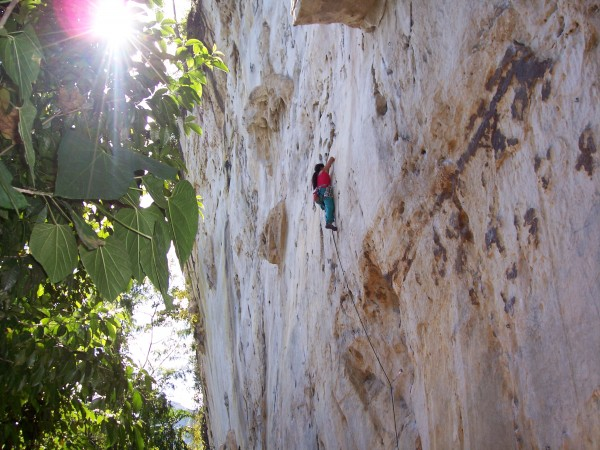 Jheryl leading Itchy Flutterby 5.11b a very high quality route!