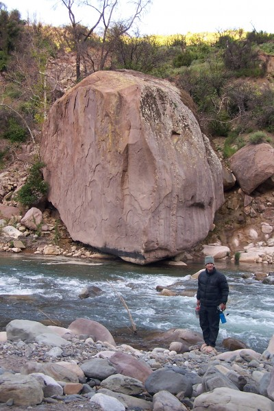 Big boulders are everywhere.