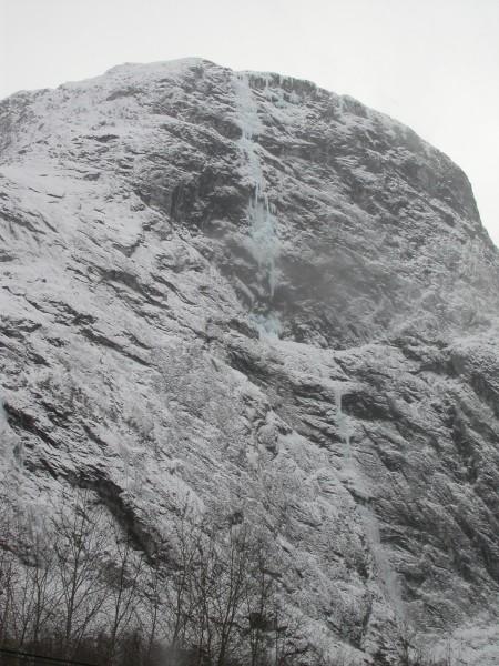 Fossilmonster above Gudvangen.