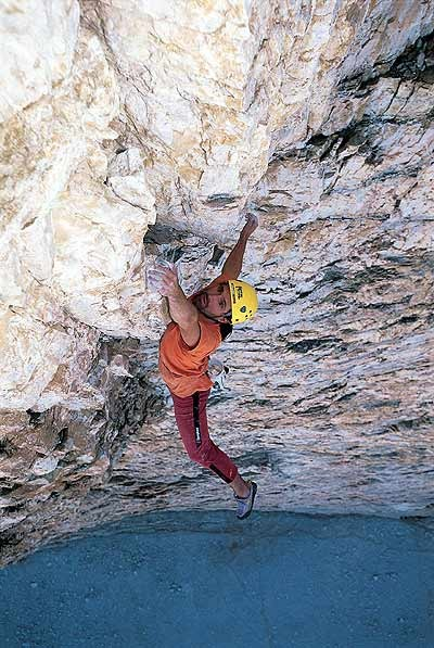 alex huber soloing brandler-hasse direttissima (5.12a) in the ...