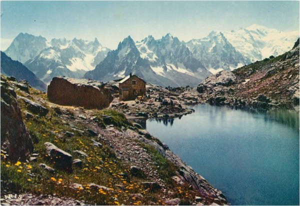 Les Grandes Jorasses to the left, then Les Aiguilles de Chamonix in th...