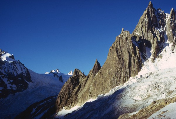 Aig du Requin from the path below the Envers hut