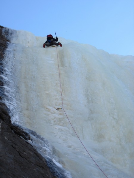 Ed Hartouni cruising the middle pitch of High on Boulder (1/21/13)